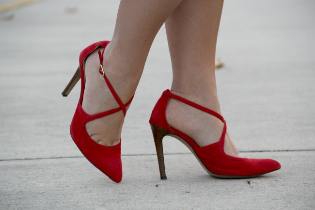 red pumps sole society